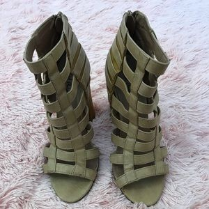 Michael Antonio- Caged Taupe Heels